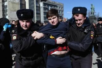 Proteste anticoruptie de amploare la Moscova. Inamicul numarul 1 al lui Putin, Aleksei Navalnii, a fost retinut. GALERIE FOTO