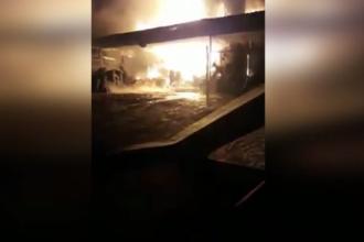 Vulcanizare din Galați, distrusă de un incendiu. Paznicul a suferit arsuri încercând să salveze obiecte