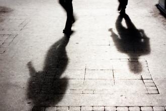 Student acuzat că și-a violat o colegă de serviciu, după ce s-a oferit să o conducă acasă
