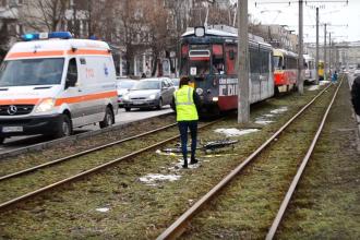 Un poliţist băut a lovit mortal cu maşina un bătrân pe bicicletă, în Arad