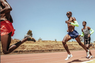 Un campion olimpic din Marea Britanie acuză angajatul unui aeroport din Germania de rasism
