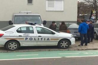 Poliţist acuzat că şi-a lovit iubita, după ce i-a blocat maşina pe o stradă, în Timiş