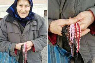 """Povestea """"bunicii Elisabeta"""" care vinde mărtişoare pe stradă, în Cluj"""