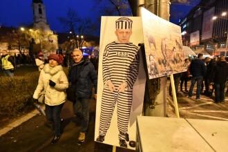 Zeci de mii de slovaci au cerut în stradă demisia premierului Robert Fico