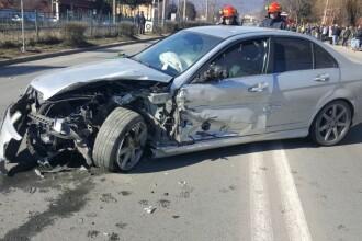 Șapte persoane, la spital după un accident grav în Petroșani