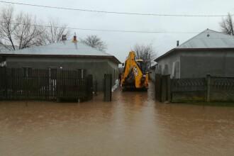Hidrologii au emis Cod Roşu de inundaţii pe râuri din Brașov, Buzău și Covasna