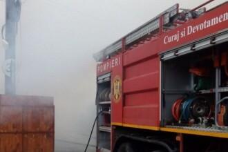 """Incendiu la Termocentrala din Turceni. Pompieri: """"Degajări mari de fum, ard cabluri electrice"""""""