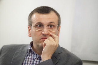 """Europarlamentarul Cristian Preda: """"Iohannis pare complet depăşit de situaţie"""""""