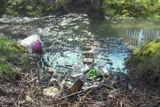 Fântâni contaminate, din cauza sătenilor care nu-şi curăţă şanţurile.