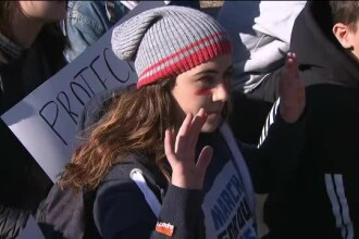 """Mii de elevi s-au întors cu spatele la Casa Albă: """"Nu mai tăcem!"""""""