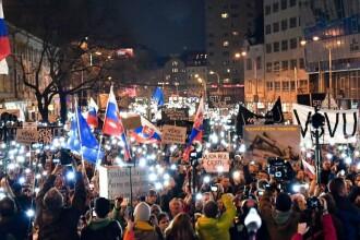 65.000 de oameni au ieșit în stradă, în Slovacia, din cauza corupției