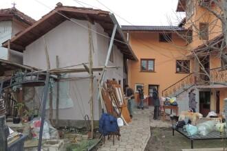 11 gospodării din Dâmbovița, afectate de alunecări de teren. Trei familii, nevoite să se mute