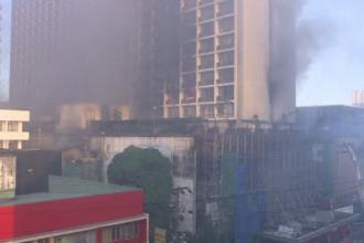 Incendiu uriaș într-un hotel din Filipine. 300 de persoane au fost evacuate