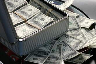 Metoda prin care doi americani au obținut prin fraudă aproape un miliard de dolari