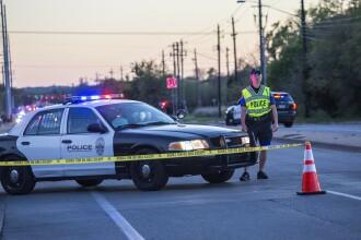 Bărbatul suspectat de atacurile cu bombă din Austin s-a sinucis când poliţia încerca să-l aresteze