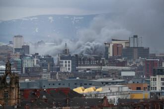 Incendiu de amploare în Glasgow. Nori de fum, văzuți de la mare depărtare