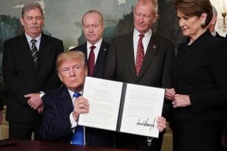 Donald Trump impune taxe vamale suplimentare importurilor din China. Reacția Beijingului