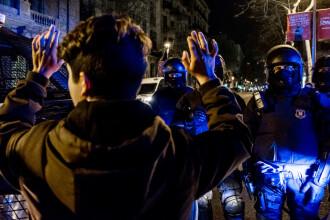 Ciocniri violente între protestatari și forțele de ordine, la Barcelona. Mii de persoane au ieșit în stradă