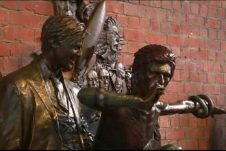 Prima statuie a lui David Bowie, inaugurată în oraşul unde a debutat