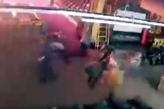 Momentul în care oamenii fug disperați din calea flăcărilor în mall-ul din Rusia. VIDEO