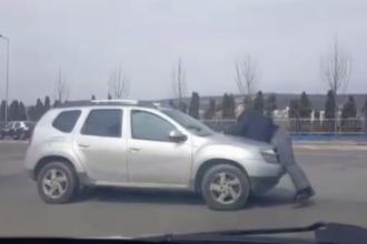 Un pieton a fost plimbat pe capota unei mașini, în Cluj. Motivul conflictului