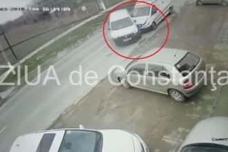 Asistentă medicală rănită după ce ambulanţa în care era a fost implicată într-un accident VIDEO