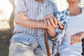 Căsătoriți de peste 60 de ani, un cuplu a luat o supradoză pentru a muri împreună. Ce a urmat