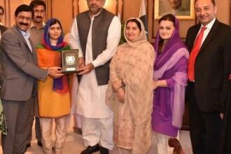 """Malala, la prima vizită în Pakistan de când a fost împușcată în cap de talibani: """"Nu pot să cred"""""""