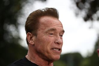 """Arnold Schwarzenegger și-a cerut scuze pentru comportamentul """"inadecvat"""" față de femei"""