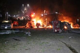 Atentat cu mașină capcană, lângă un hotel din Somalia. Sunt 5 morți și 25 de răniți. VIDEO