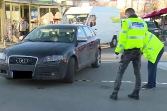 Accident grav în Târgoviște. Un bărbat a fost lovit după ce și-a parcat mașina