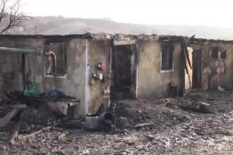 O femeie a murit arsă de vie în casă, în Bacău. Pompierii au găsit-o în dormitor
