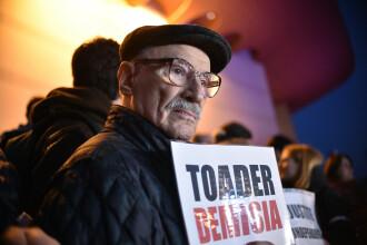 Mai mulți actori au protestat în faţa Teatrului Naţional față de OUG 7