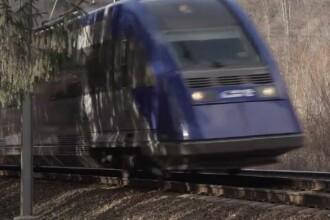 Băiețel de doi ani, spulberat de tren, în Prahova. Cum a ajuns micuțul pe șine