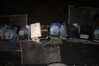 """""""Miracolul"""" dintr-o biserică incendiată. Singurele lucruri care au scăpat de flăcări. FOTO"""