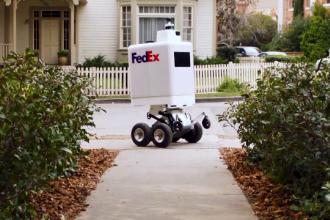 Roboţii sunt viitorul în domeniul serviciilor de curierat. Testele făcute de o firmă
