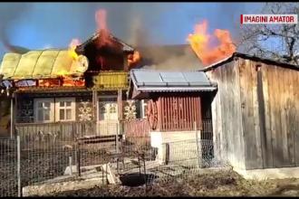 Un bărbat din Argeș care a dat foc la vegetația din curte a incendiat casa vecinului