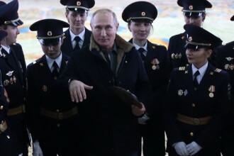 Moment jenant pentru Putin în fața femeilor, de 8 Martie. Imaginile au fost cenzurate