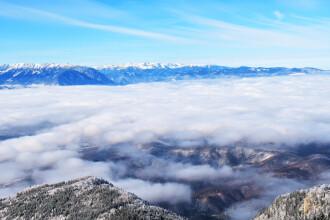 Staţiunile de la munte, afectate de vântul puternic. Situaţie gravă în Poiana Braşov