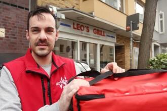 Bărbat salvat de la moarte de cel care i-a livrat acasă comanda de mâncare