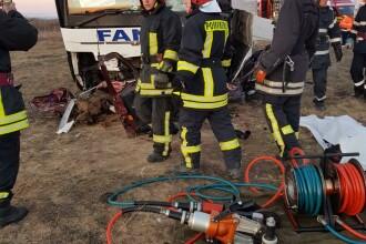 Accident cu un autocar plin cu pasageri în Timiș. O persoană a murit, cinci sunt rănite