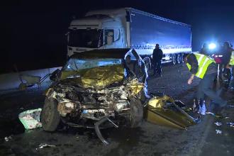 Un şofer a intrat intenţionat într-un TIR, pe centură. Ce s-a găsit lângă trupul său
