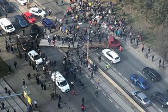"""Mii de bucureșteni s-au alăturat mișcării #șîeu. """"Barbu Văcărescu"""", blocat. GALERIE FOTO"""