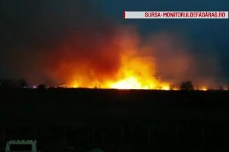 Incendiu puternic la marginea orașului Făgăraș. Localnicii s-au temut că va ajunge la case