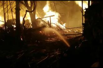 Incendiu de vegetaţie scăpat de sub control, în Gorj. Flăcările au distrus o casă și anexe