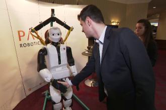 Cei mai moderni roboţi din lume, la Bucureşti. Un inventator şi-a creat