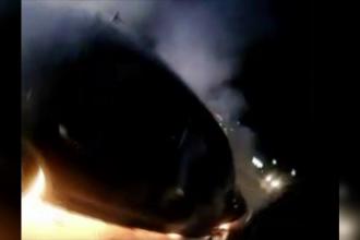 Şofer beat, salvat de poliţişti din maşina în flăcări. Avea şi un pistol, care a explodat