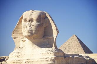 Misterul din spatele statuilor egiptene. De ce multe dintre ele au nasul spart