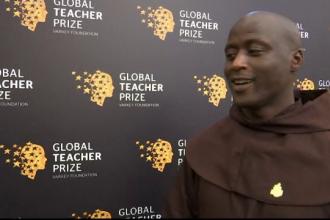 Un călugăr din Kenya a fost desemnat cel mai bun profesor din lume. Ce făcea pentru elevi