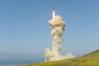 Oficial rus: SUA ar putea folosi arme nucleare în Europa.